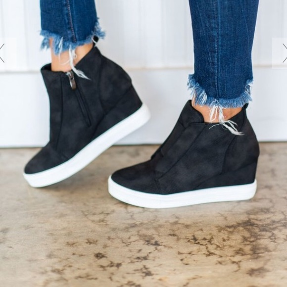 8e5bd92aec7b cocci Shoes - Wedge Sneaker